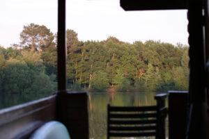 Vue terrasse chalet flottant Dahu Wake Park